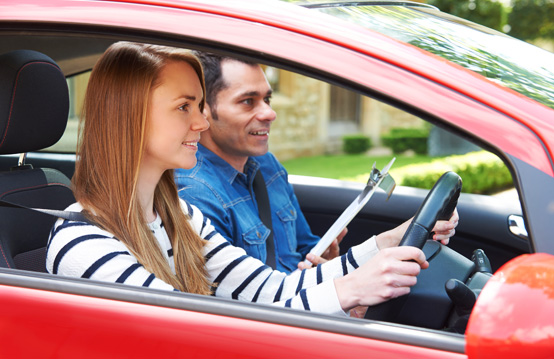 Essential Tips For Choosing a Driving School | YLooDrive